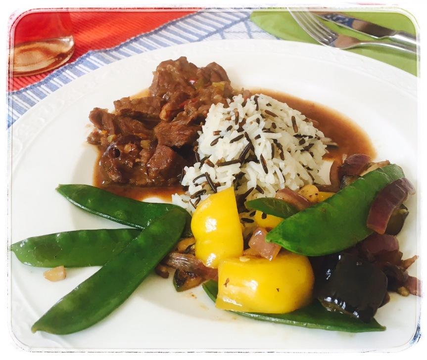 Mongolisches Rindfleisch mit Wildreis undGemüse