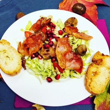 Herbstchicorée mit gebratenen Maroni undGranatapfel