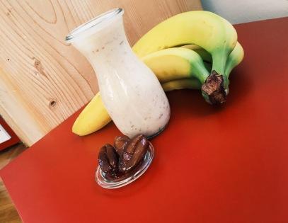Bananen Dattel Shake
