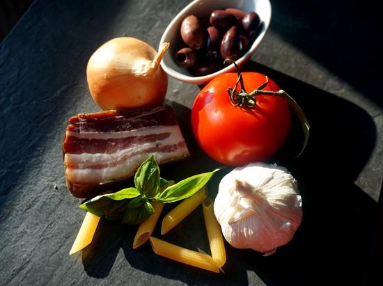 TomateSpeckPenneZwiebel