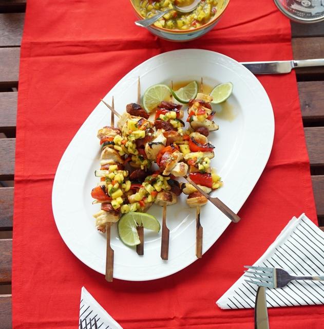 Gegrillte Hühnerspieße mit Mango ChiliSalsa